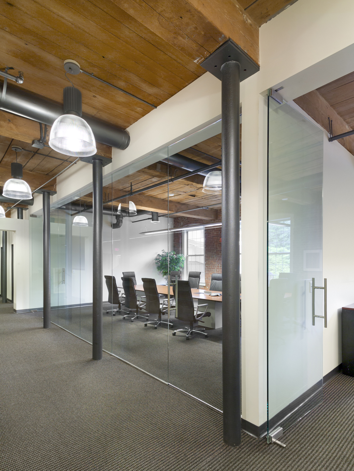 Conference Room Interior Design: American Frameless