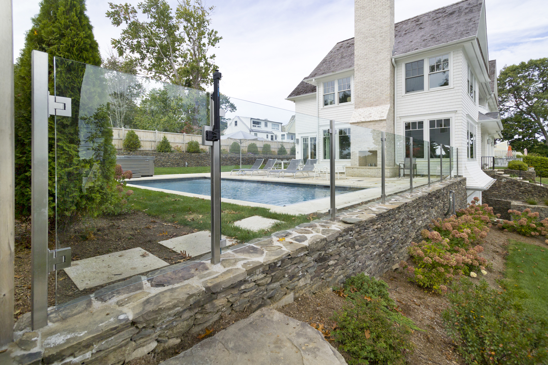 Glass Pool Fence | Frameless Glass Pool Fence | American ...